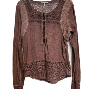 GIMMICKS BY BKE HENLY LACE TOP LARGE